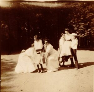 Read more about the article Royal Romanov playmates of my grandmother